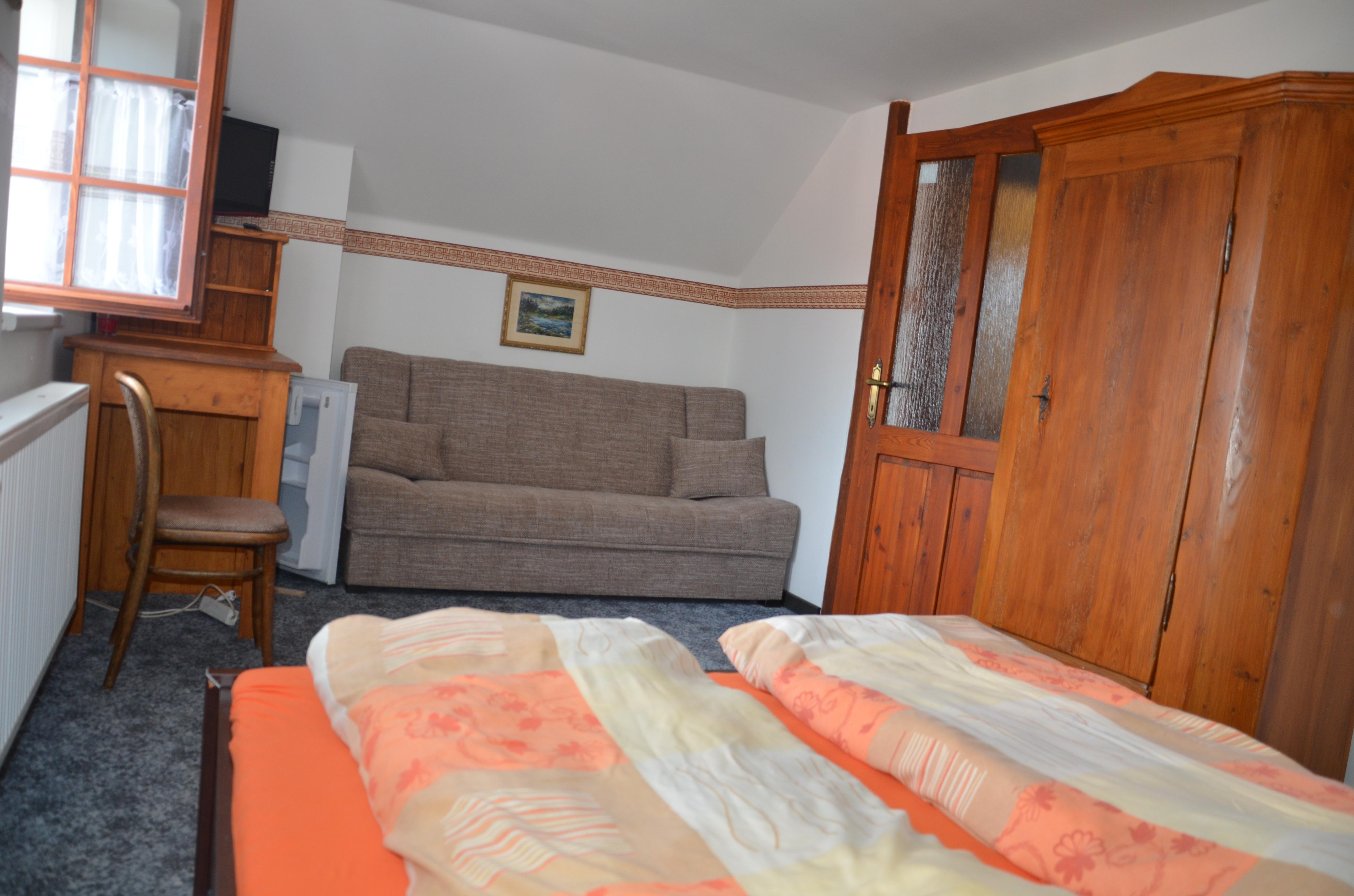 Pokoj 1 postel & gauč